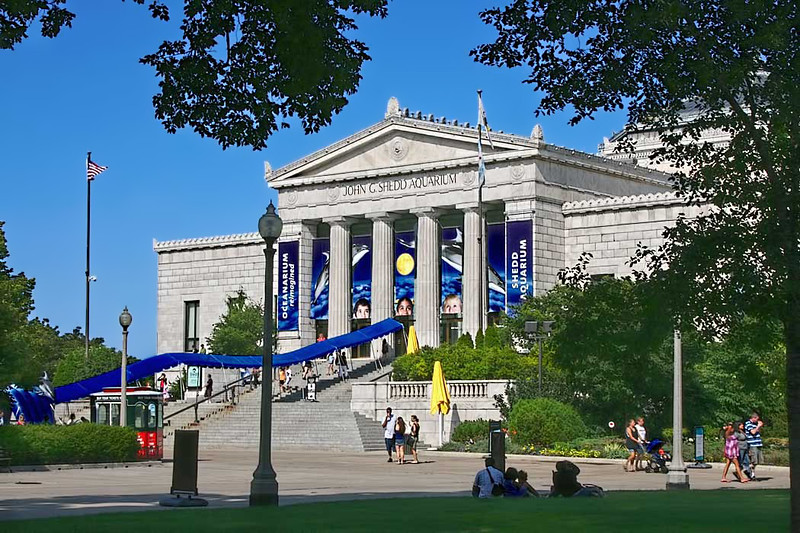 John G. Shedd Aquarium is located in Grant Park on Chicago's lakefront, is the largest indoor aquarium in the world