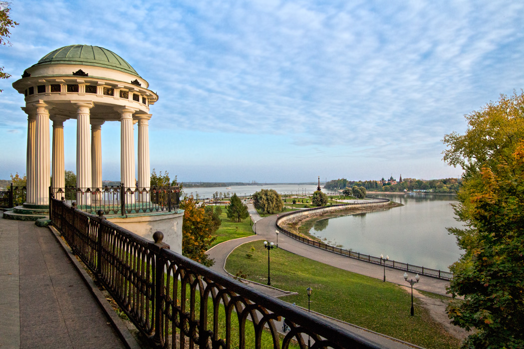 Town park in Yaroslavl, Russia, provides sweeping views of the Volga River